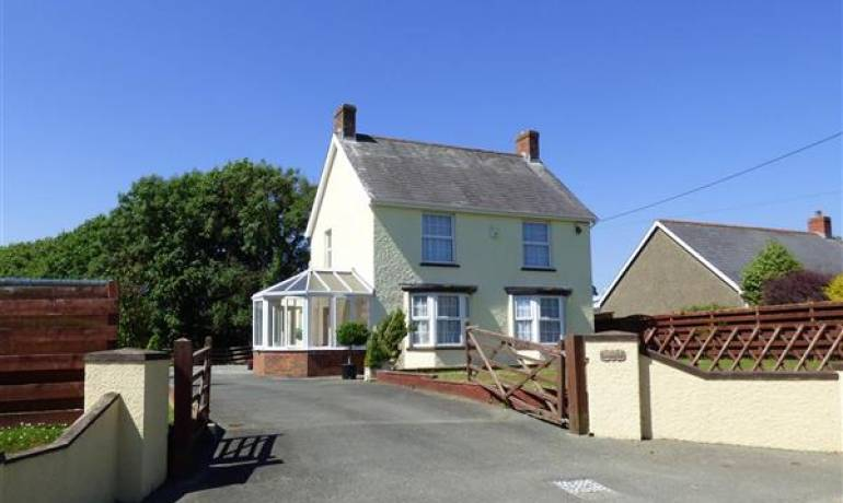 Lynfield, Clarbeston Road, Haverfordwest, Pembrokeshire (POM1000810)