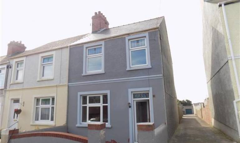 Eastleigh Drive, Milford Haven, Milford Haven, Pembrokeshire (POM1000812)