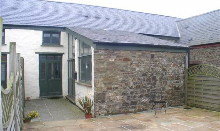 Home Farm Cottage, Crundale, Haverfordwest, Pembrokeshire (POM1000829)