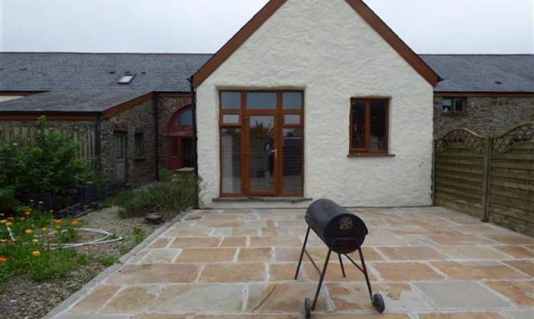 Home Farm Cottage, Crundale, Haverfordwest, Pembrokeshire (POM1000858)