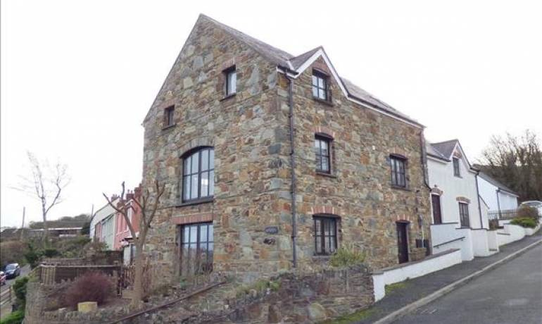 Feidr Eglwys, Newport, Newport, Pembrokeshire (POM1000861)