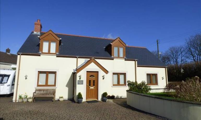 Meadow View, Hill Mountain, Milford Haven, Pembrokeshire (POM1000874)