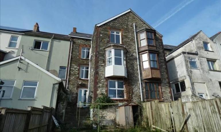 Pentre House, Goodwick, Goodwick, Pembrokeshire (POM1000960)