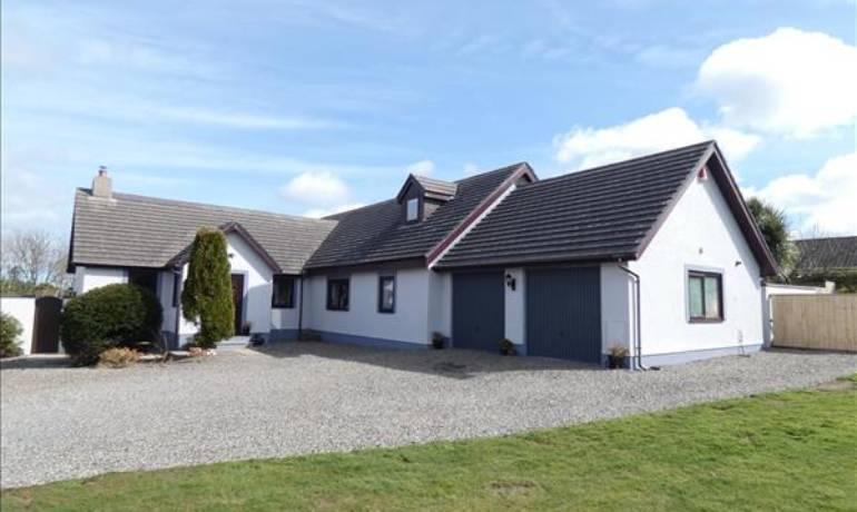 Courtfield Drive, Simpson Cross, Haverfordwest, Pembrokeshire (POM1000979)